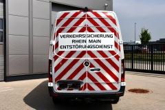 2020-04_Warnmarkierung-online_Warnmarkierungssatz-DIN-30710_MB-Sprinter-W907-W910_Flaechen-Folierung_Konturmarkierung_Heck-Warnmarkierung (3)
